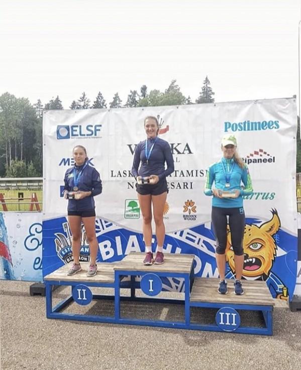 Наши юниорки заняли весь пьедестал Открытого Чемпионата Эстонии по биатлону