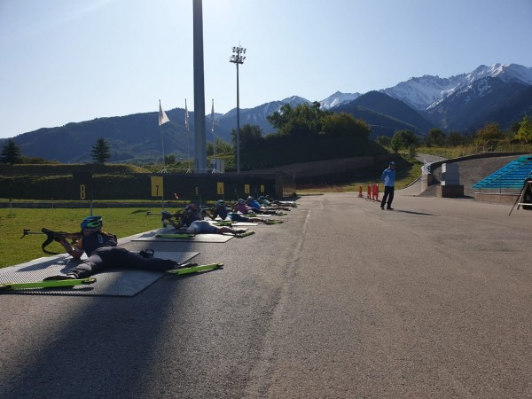 Национальная сборная РК по биатлону проводит УТС в Алматы