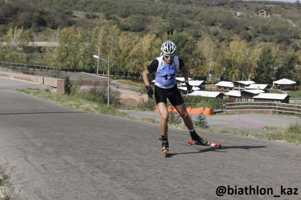 Роман Еремин выиграл спринт серди мужчин Летнего Чемпионата РК по биатлону