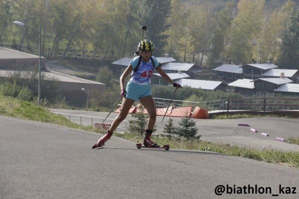 Кристина Титиевская стала лучшей в спринте среди девушек Летнего Чемпионата РК по биатлону