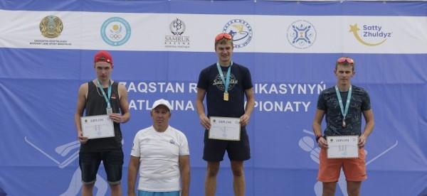 Семен Вдовин стал лучшим с масс-старте среди юношей Летнего Чемпионата РК по биатлону
