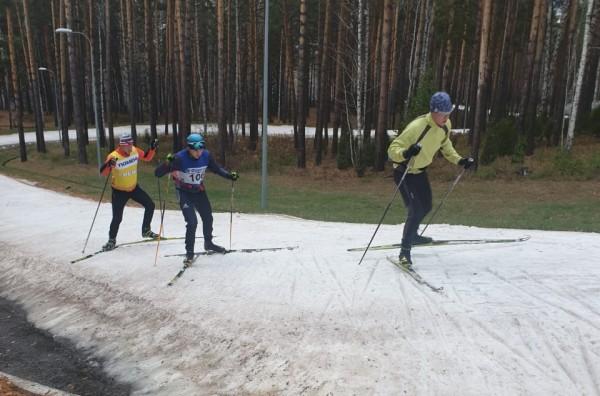 Сборная Казахстана по биатлону начала вкатку в Тюмени сезон 2019-2020