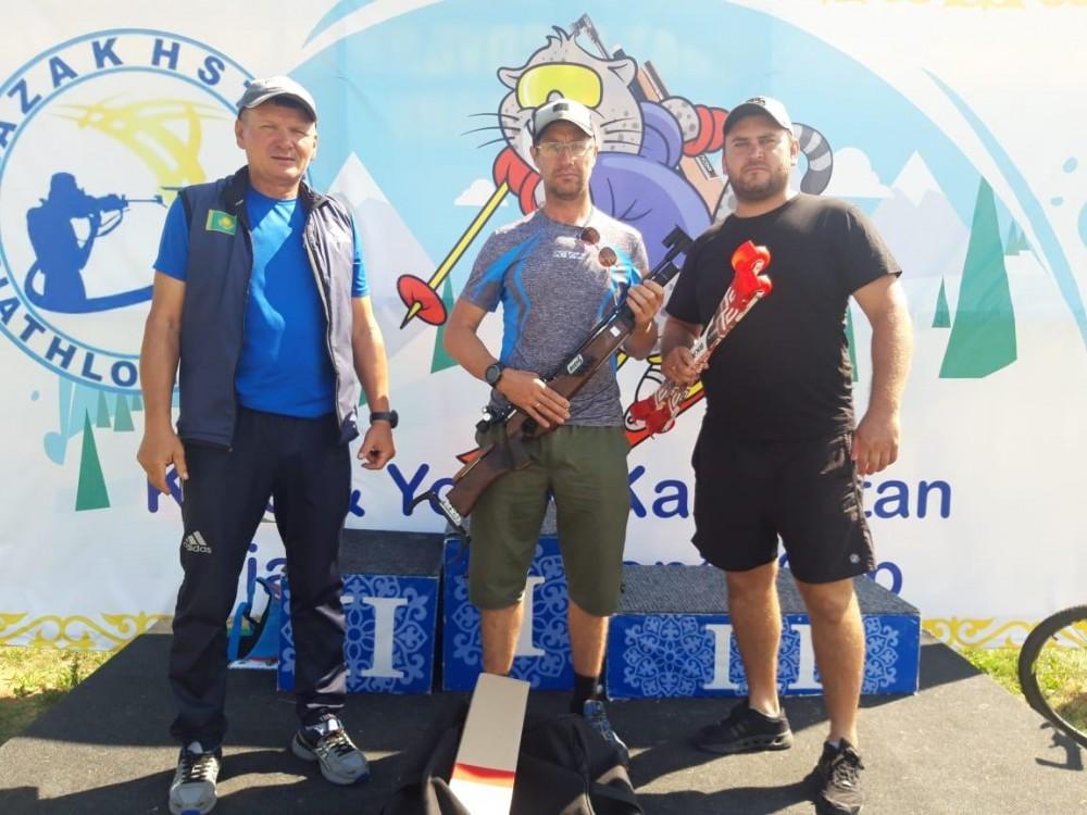 Официальное награждение, раздача специальных призов от имени Союза биатлонистов РК а также выдача нового инвентаря